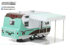 GreenLight - Winnebago  - gl18430B : 1964 Winnebago Travel Trailer 216 *Hitch & Tow Trailers Series 3*, green/white