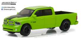 Ram  - 2017 sublime green pearl - 1:64 - GreenLight - gl29927 | Tom's Modelauto's