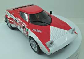 Lancia  - Stratos #2 1974 red/white - 1:18 - Triple9 Collection - 1800175 - T9-1800175 | Tom's Modelauto's