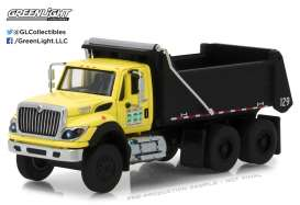 GreenLight - International  - gl45020A : 2017 International WorkStar New York City DOT Construction Dump Truck  *Super Duty Trucks Series 2* yellow/black