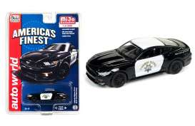 Ford  - Mustang *Highway Patrol* 2017 white/black - 1:64 - Auto World - cp7475 - AWcp7475 | Tom's Modelauto's