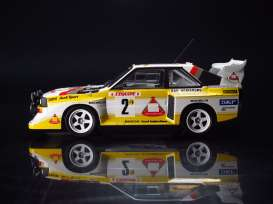 Audi  - Quattro 1985 white/yellow/red - 1:24 - Beemax - 24017 - bmx24017 | Tom's Modelauto's
