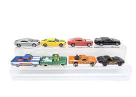 Triple9 Collection - diorama Accessoires - T9-64002 : Acrylic stand to display 9 tot 12 1:64 models.  See images you can put the stand in a 1/18 LED Case so the cars are dust free.