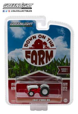 Ford  - 8N Tractor 1947 white/red - 1:64 - GreenLight - 48010A - gl48010A | Tom's Modelauto's