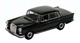 Mercedes  - black - 1:43 - Magazine Models - magPCmbW110 | Tom's Modelauto's