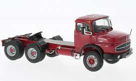 Mercedes Benz  - dark red - 1:43 - IXO Models - ixTR015 | Tom's Modelauto's