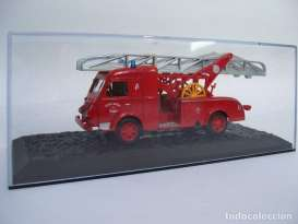 Renault  - 2t5 Gugumus 1957 red - 1:57 - Magazine Models - fire05 - magfire05 | Tom's Modelauto's