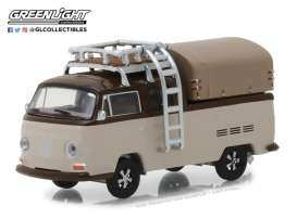 Volkswagen  - T2 Double Cab pick-up 1969 light brown/dark brown - 1:64 - GreenLight - gl29920E | Tom's Modelauto's