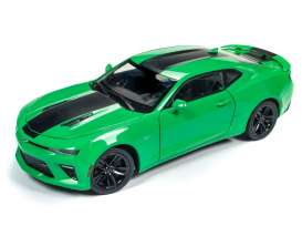Chevrolet  - Camaro SS 2017 green/black - 1:18 - Auto World - 244 - AW244 | Tom's Modelauto's