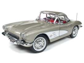 Chevrolet  - Corvette 1961 grey-silver - 1:18 - Auto World - AMM1151 | Toms Modelautos