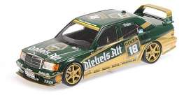 Mercedes Benz  - 190E 1992 green/gold - 1:18 - Minichamps - mc155923618 | Tom's Modelauto's