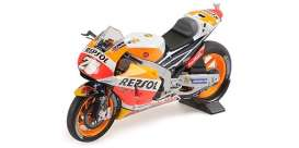 Honda  - RC213V 2017 red/yellow/orange - 1:18 - Minichamps - 182171126 - mc182171126 | Tom's Modelauto's