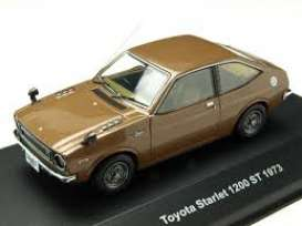 Toyota  - Starlet 1200 ST 1973 brown metallic - 1:43 - IXO Models - 1057 - ix1057 | Tom's Modelauto's