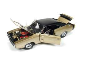 Dodge  - Charger R/T 1970 gold - 1:18 - Auto World - AMM1077 | Tom's Modelauto's
