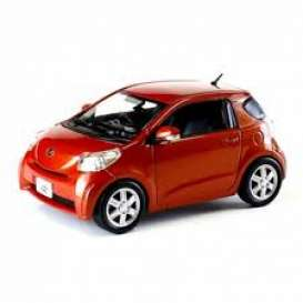 Toyota  - iQ 2009 orange - 1:43 - J Collection - 60005OR - jc60005OR | Tom's Modelauto's