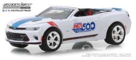 Chevrolet  - Camaro 2018 white/blue - 1:64 - GreenLight - 30003 - gl30003 | Tom's Modelauto's
