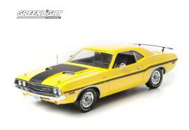 Dodge  - 1970 yellow/black - 1:18 - GreenLight - 12845 - gl12845 | Tom's Modelauto's
