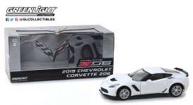 Chevrolet  - Corvette Coupé 2019 white - 1:24 - GreenLight - 18250 - gl18250 | Tom's Modelauto's