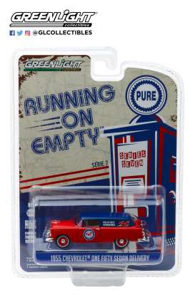 Chevrolet  - Sedan Delivery 1955 red/blue - 1:64 - GreenLight - 41070A - gl41070A | Tom's Modelauto's