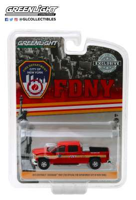 Chevrolet  - Silverado 2015 red - 1:64 - GreenLight - 30009 - gl30009 | Tom's Modelauto's