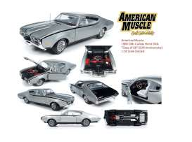Oldsmobile  - Hurst Cutlass 1968 silver - 1:18 - Auto World - AMM1143 - AMM1143 | Tom's Modelauto's