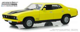 Ford  - XB Falcon GT 4-doors Sedan 1974 yellow - 1:18 - GreenLight - 18013 - gl18013 | Tom's Modelauto's