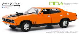 Ford  - XB Falcon GT 4-doors Sedan 1974 orange - 1:18 - GreenLight - 18015 - gl18015 | Toms Modelautos