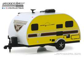 Winnebago  - 2017 yellow - 1:64 - GreenLight - 34060E - gl34060E | Tom's Modelauto's