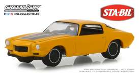 Chevrolet  - Camaro  1970 yellow - 1:64 - GreenLight - 30025 - gl30025 | Tom's Modelauto's