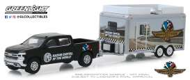 Chevrolet  - Silverado 2019 black/white - 1:64 - GreenLight - 30034 - gl30034 | Tom's Modelauto's