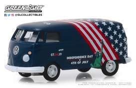 Volkswagen  - Type 2 Panel Van 2019 blue/white/red - 1:64 - GreenLight - 30044 - gl30044 | Tom's Modelauto's