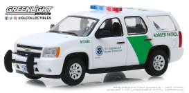 Chevrolet  - Tahoe 2010 white/green - 1:43 - GreenLight - 86163 - gl86163 | Tom's Modelauto's