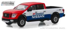 Nissan  - Titan XD Pro-4x 2018 white/blue/red - 1:64 - GreenLight - 47040E - gl47040E | Tom's Modelauto's