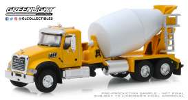Mack  - Granite 2019 yellow/white - 1:64 - GreenLight - 45070B - gl45070B | Tom's Modelauto's