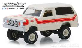 Dodge  - Ramcharger 1978 white/orange - 1:64 - GreenLight - 35130C - gl35130C | Tom's Modelauto's