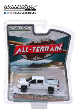 Chevrolet  - Silverado 2017 white/black - 1:64 - GreenLight - 35130E - gl35130E | Tom's Modelauto's