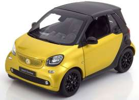 Smart  - Fortwo Cabrio A453 2014 yellow/black - 1:18 - Norev - 183430 - norB66960289 | Tom's Modelauto's