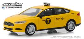 Ford  - Fusion 2013 yellow - 1:43 - GreenLight - 86170 - gl86170 | Tom's Modelauto's