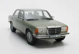 Mercedes Benz  - 280E 1976 green - 1:18 - Cult Models - CML072-1 - CML072-1 | Tom's Modelauto's