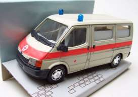 Ford  - Transit *Notarzt* creme/red - 1:35 - Schabak - post - schabakTransitartz | Tom's Modelauto's