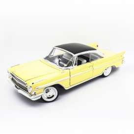 Desoto  - Adventurer 1961 yellow/black - 1:18 - Lucky Diecast - 92738 - ldc92738y | Tom's Modelauto's