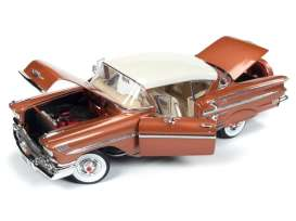 Chevrolet  - hardtop coupe 1958 copper-gold - 1:18 - Auto World - 1164 - AMM1164 | Tom's Modelauto's