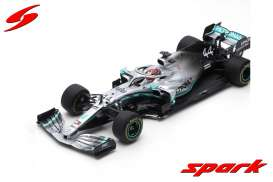 Mercedes Benz  - W10 EQ Power+ 2019 silver/turquoise - 1:18 - Spark - 18s450 - spa18s450 | Toms Modelautos