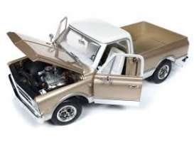 Chevrolet  - C10 Fleet Side  1968 gold/white - 1:18 - Auto World - 1165 - AMM1165 | Tom's Modelauto's