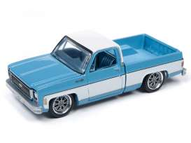 Chevrolet  - Cheyenne blue/white - 1:64 - Auto World - SP023B - AWSP023B | Tom's Modelauto's