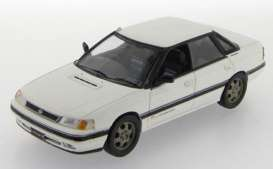 Subaru  - Legacy 2.0 Turbo RS Type RA 1989 white - 1:43 - IXO Models - KB1028 - ixKB1028 | Tom's Modelauto's