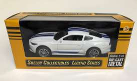 Shelby  - GT350 2016 white/blue - 1:43 - Shelby Collectibles - 14316wh - shelby14316wh | Tom's Modelauto's