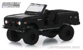 Ford  - Bronco 1969 black - 1:64 - GreenLight - 27990B - gl27990B | Tom's Modelauto's