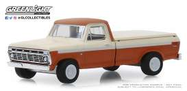 Ford  - F-100 1973 orange/white - 1:64 - GreenLight - 35140B - gl35140B | Tom's Modelauto's