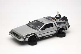 Delorean  - *Back to the Future II* 1985 silver - 1:24 - Welly - 22441F - welly22441F | Tom's Modelauto's